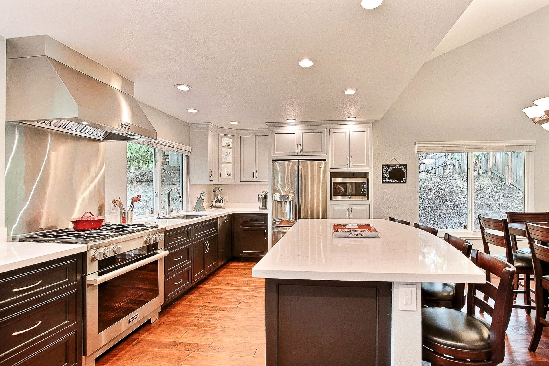 white granite counter tops