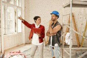 in-house or subcontractors, Should I Choose a Contractor with an In-House Crew or One That Hires Out to Subcontractors?