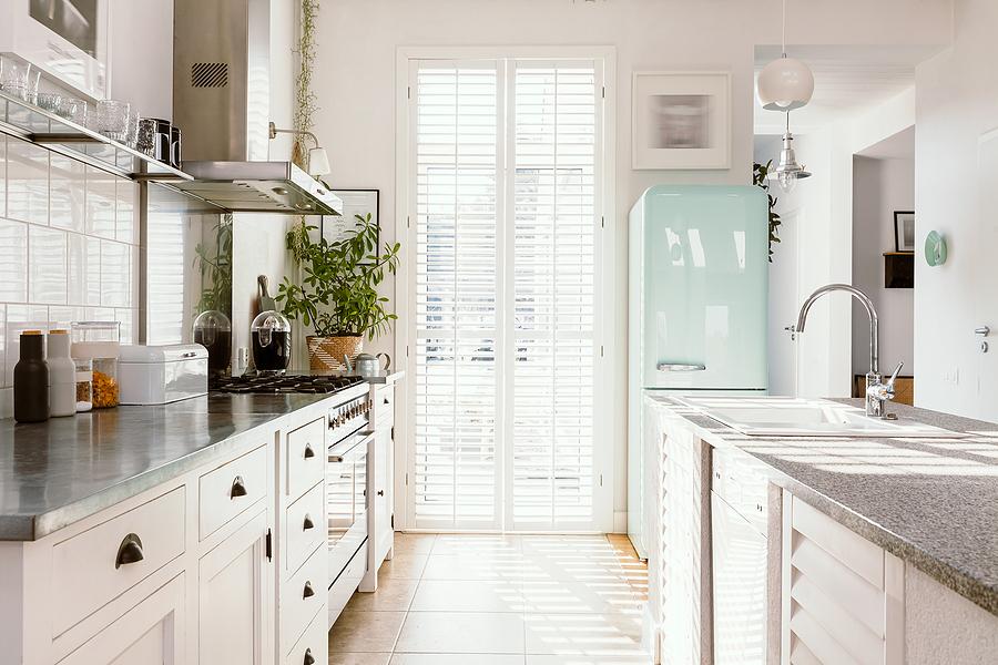 8 Ways to Brighten Up a Drab Kitchen